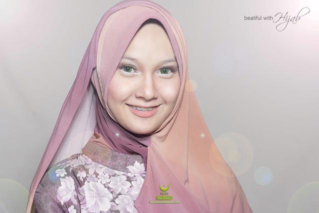 beatiful with hijab - By Mutaqun