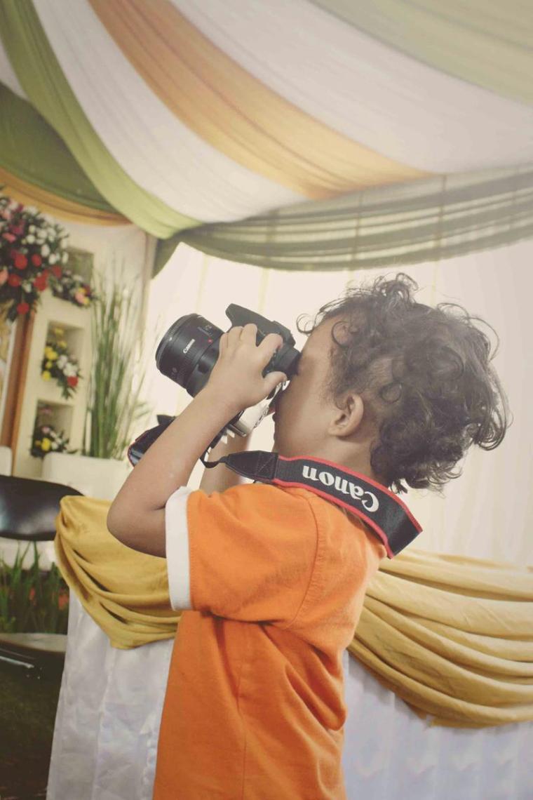 """Jibril Fotografer Mungil"" by Seno Teguh"
