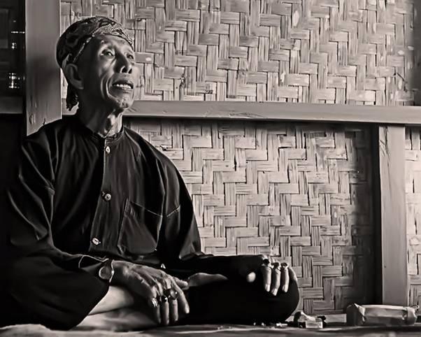 Duduk Bersila dan Bersahaja oleh Ikbal Pagi Ramadhani