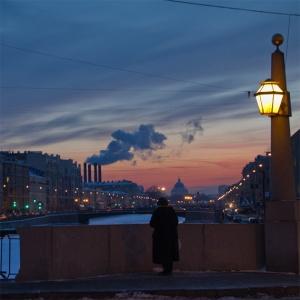 """Sunset di St.Petersburg"" oleh Natalia Kryzhanovskaia"
