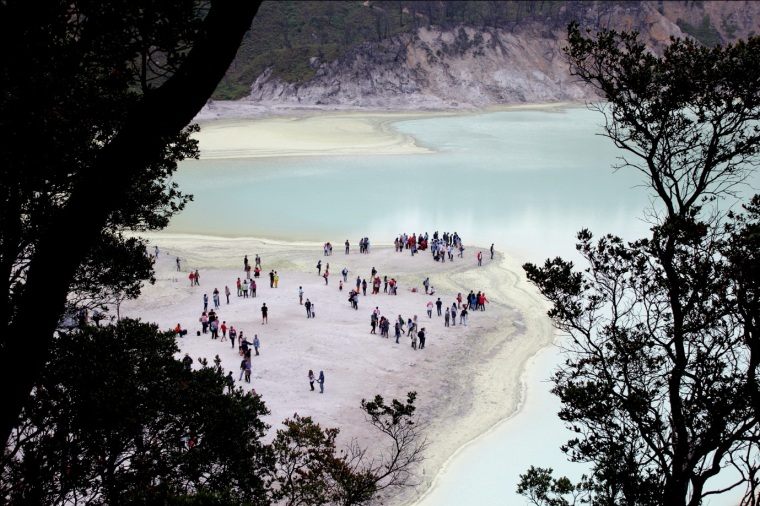 Kawah Putih From Top by Sovian Ch.
